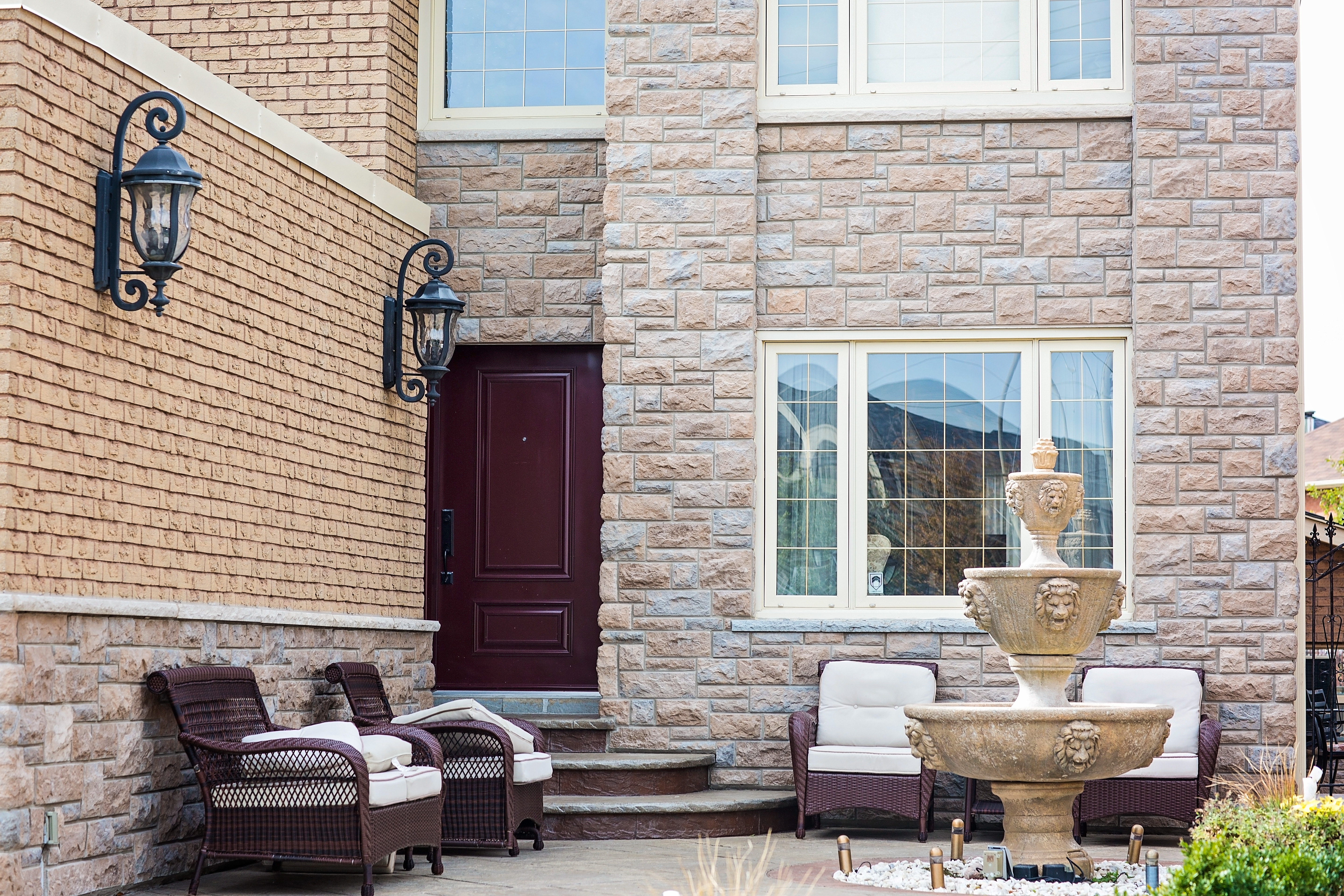 It Is Processed Natural Stone Used For Stone Facing The Exterior Of Homes.  With Traditional English Styling, It Is Made In Canada To Meet The Most  Demanding ...